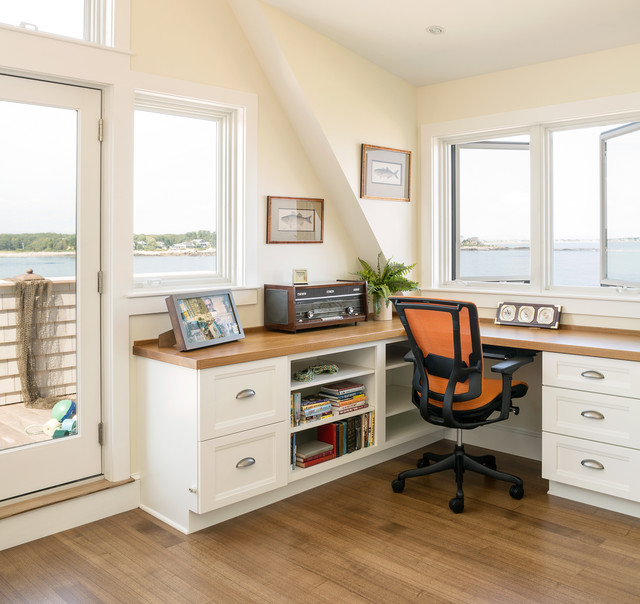 Space Saving Built In Office Furniture In Corners: Portland Maine