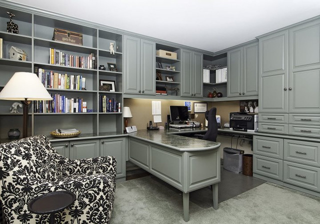 Malka / Closet Innovations contemporary home office