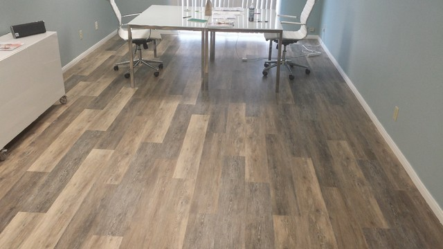COREtec PLUS 5 Vinyl Plank Color Blackstone Oak