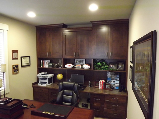 Craftsman style home office traditional home office for Craftsman style office