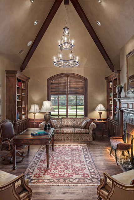 7238 Currin Drive traditional-home-office