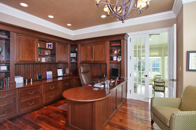 Custom Home 10 traditional-home-office