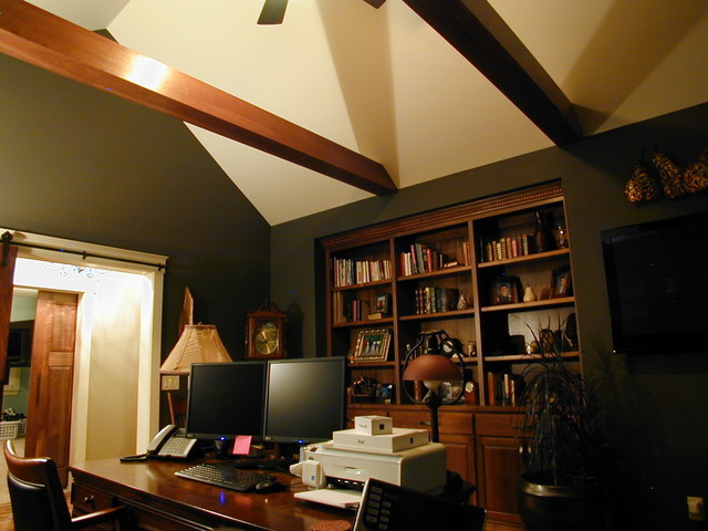 Custom Home #7 traditional-home-office