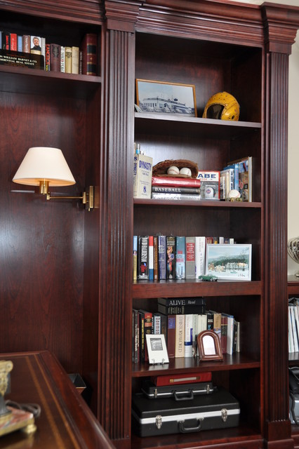 Custom Office/Library traditional-home-office