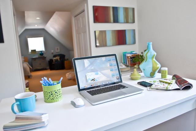 Darlene Paradis home-office