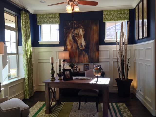 Example of a classic home office design in Dallas