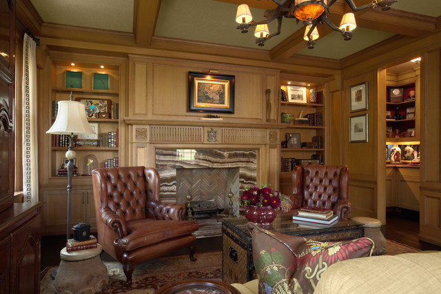 Den With Hidden Bar Traditionalhomeoffice