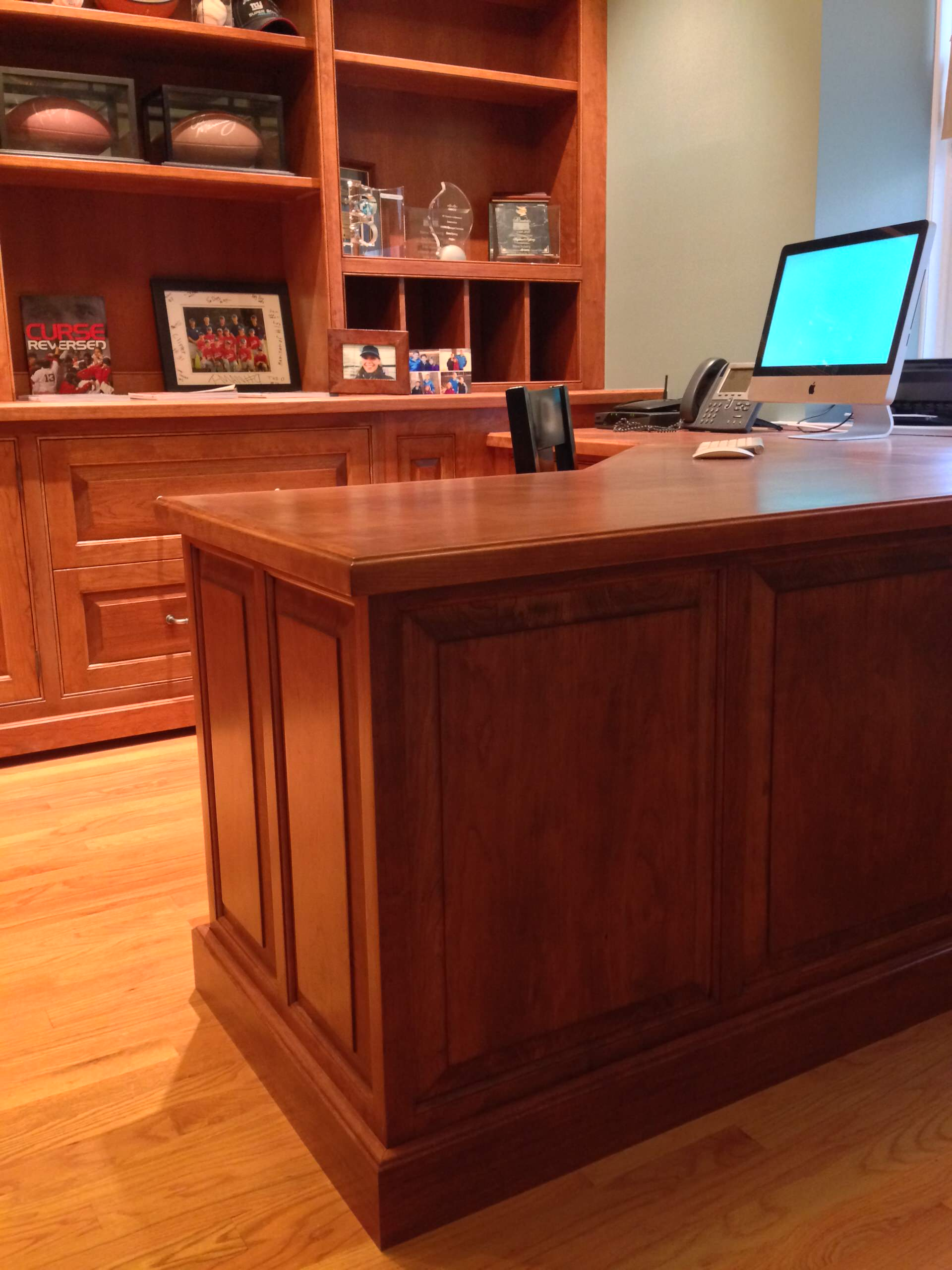 Desk with integrated panels, the beauty of full custom cabinetry.