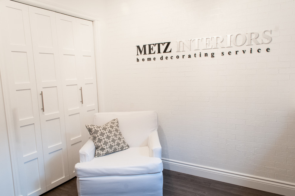 Example of a minimalist home office design in Calgary