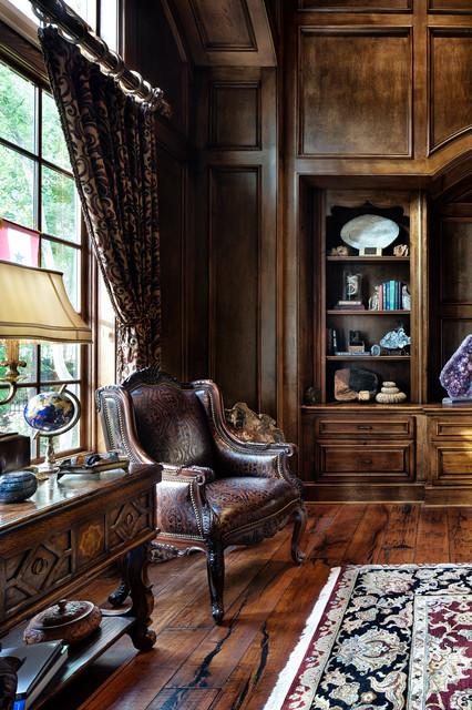 Old English Drawing Room: English Manor