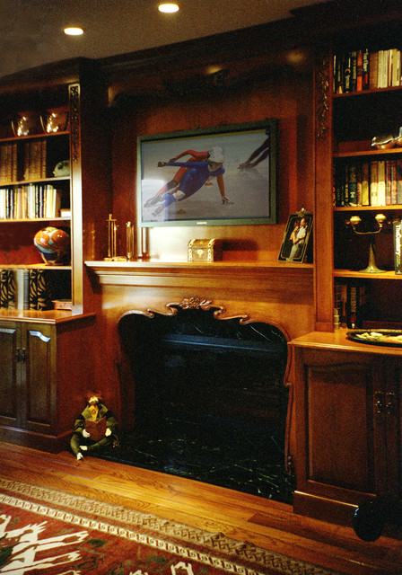 Fireplaces and Mantels traditional-home-office