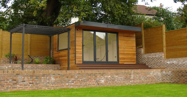 Garden room with storage built in contemporary home for Pre built garden rooms