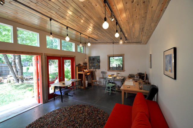 Guest and Art Studio with Garage: Studio Shed Lifestyle contemporary ...