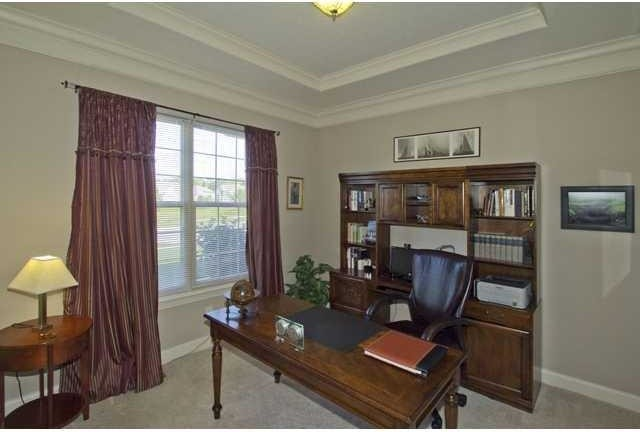 Example of a classic home office design in Columbus