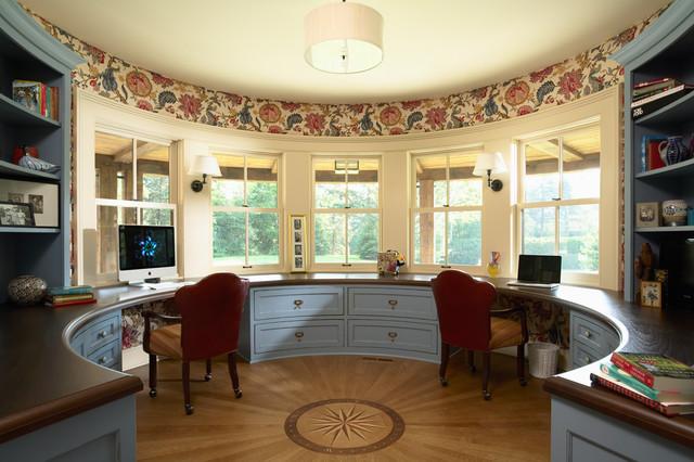 Attirant Ornate Built In Desk Home Office Photo In Minneapolis