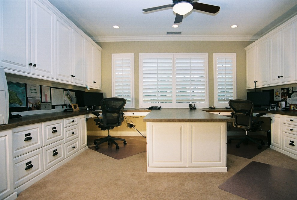 Mid-sized elegant home office photo in Orange County