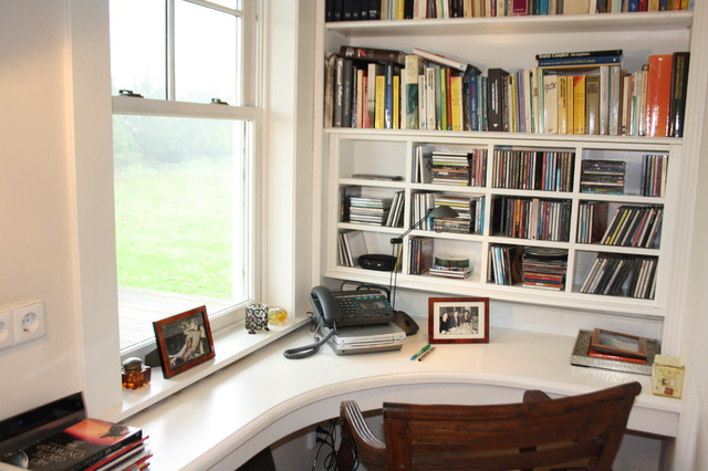 Houzz Tour: Cozy Living in a Canadian cottage in Hollands Green Heart traditional home office
