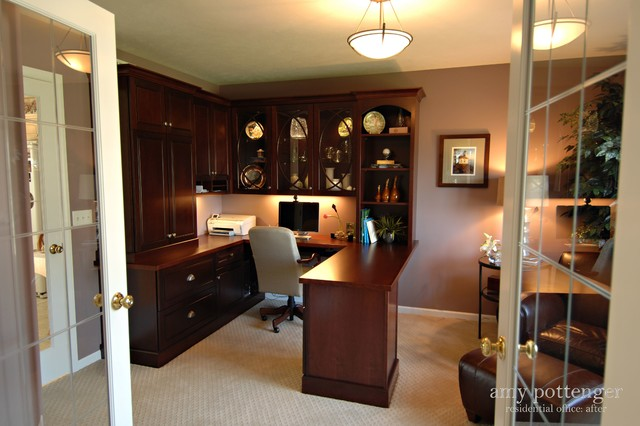Hudsonville Home Office traditional-home-office