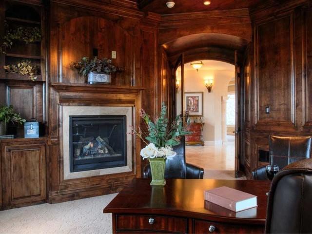 Italian Villa mediterranean-home-office