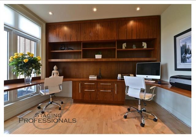 Latana Circle, St. Catharines ON modern-home-office