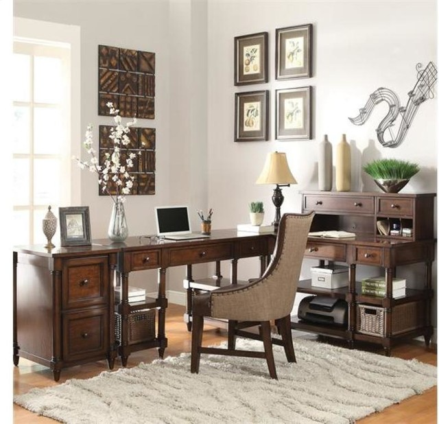 Lawrenceville Corner Desk by Riverside Furniture - Traditional