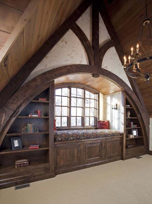 Классический кабинет стиль английского замка дерево мягкая зона у окна