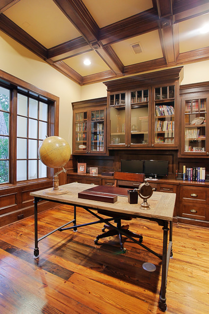 Memorial Hamptons Style Traditional Home Office