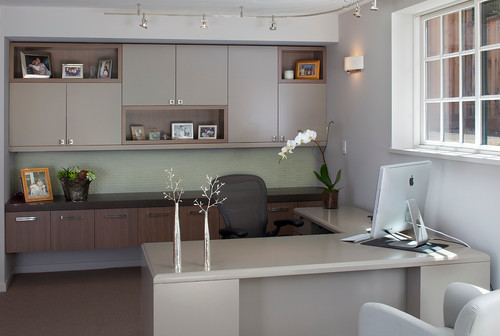 regardless of how large your office is a clear desk or workstation helps maintain organisation home