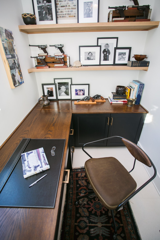 Example of an urban home office design in Indianapolis