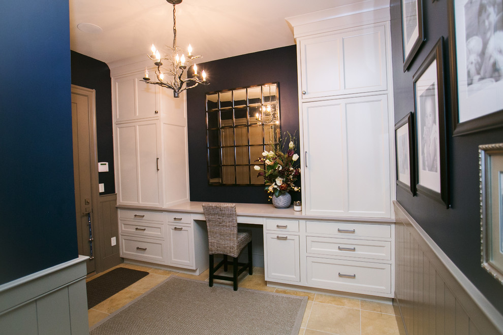 Example of a home office design in Indianapolis