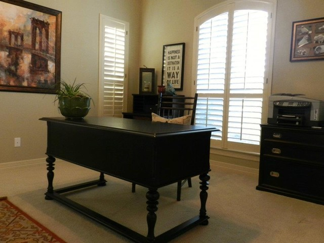 Miscellaneous Rooms traditional-home-office