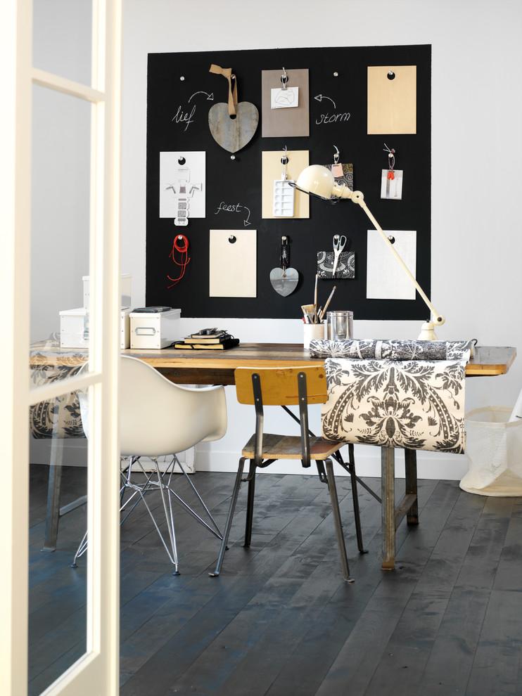 Home office - scandinavian home office idea in Berkshire