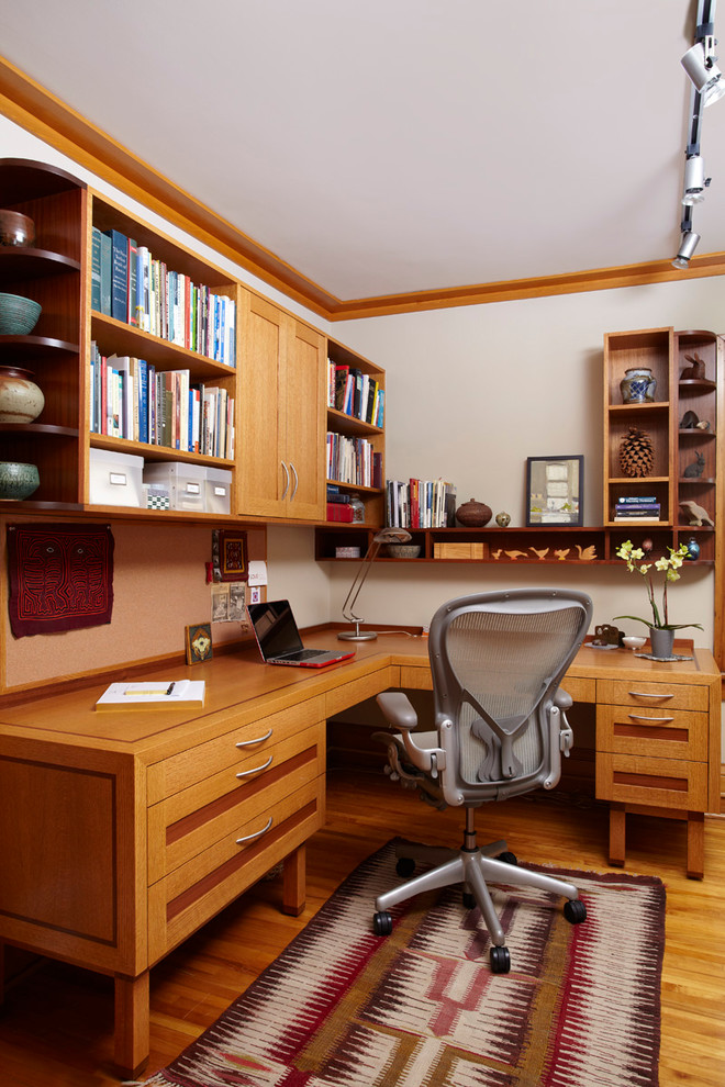 Home office - craftsman built-in desk home office idea in Minneapolis