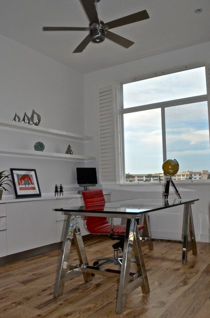Modernism at the Marina contemporary-home-office