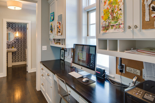Exceptionnel Example Of A Large Classic Built In Desk Dark Wood Floor Study Room Design  In