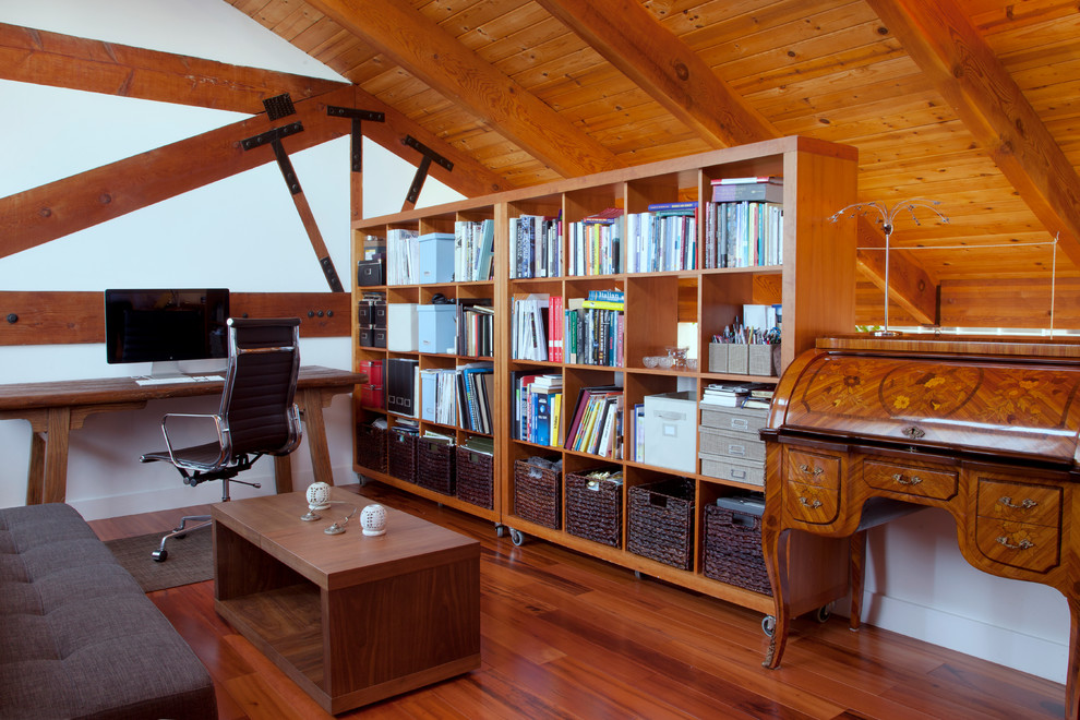 Home office - contemporary home office idea in San Francisco