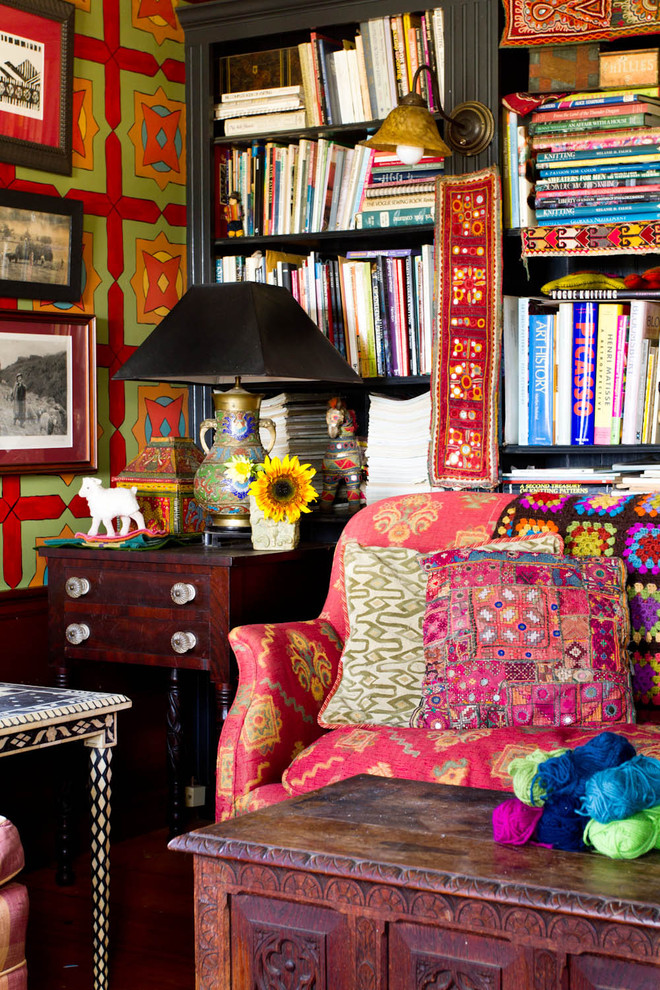 Cottage home office photo in New York