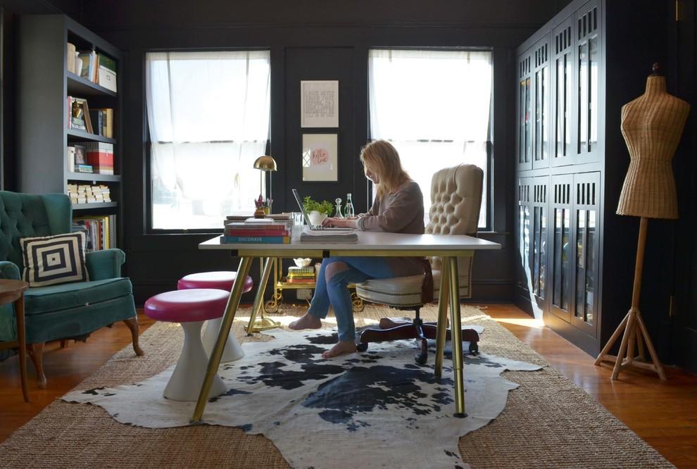 Foto på ett eklektiskt arbetsrum