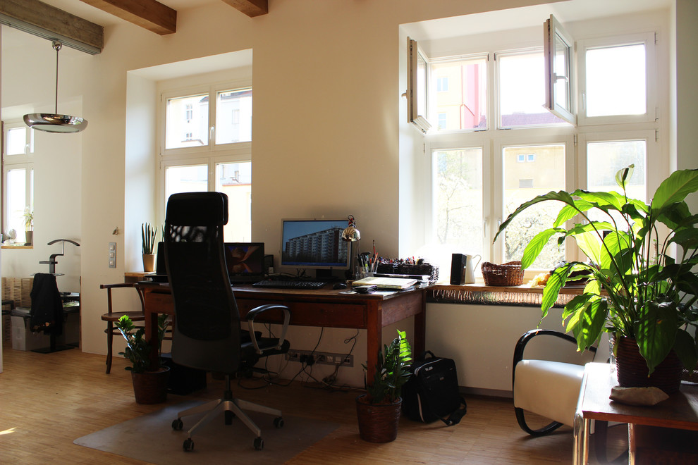 Urban home office photo in Other