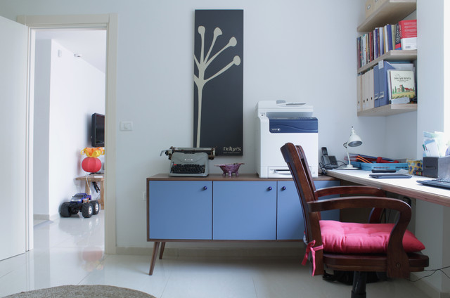 My Houzz: Lior and Shiri: Moshav Misgav Dov eclectic-home-office