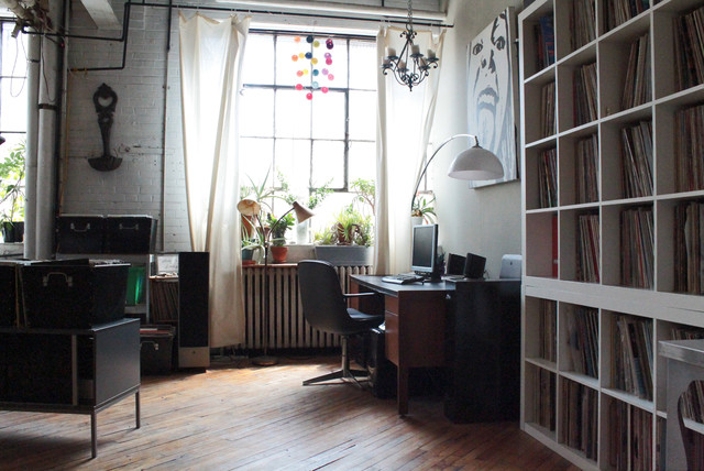 My Houzz: Vintage finds in funky Montreal artists' loft industrial-home-office