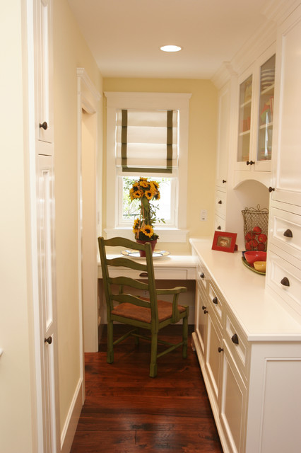 Nantucket in So Cal beach-style-home-office