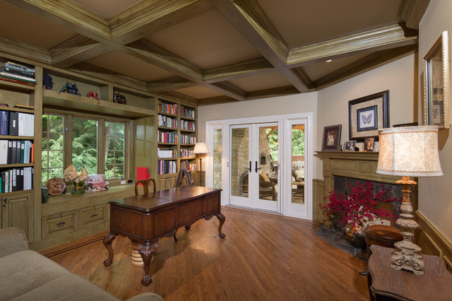 Naperville luxury custom millwork home office study for Real estate office decor