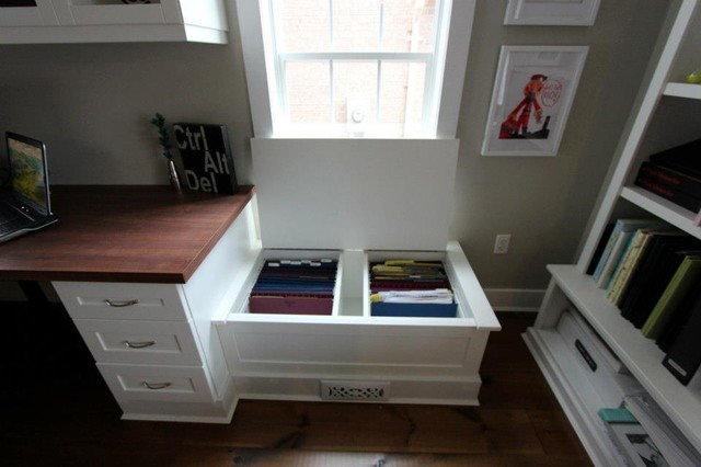 Superior Home Office   Traditional Home Office Idea In Toronto