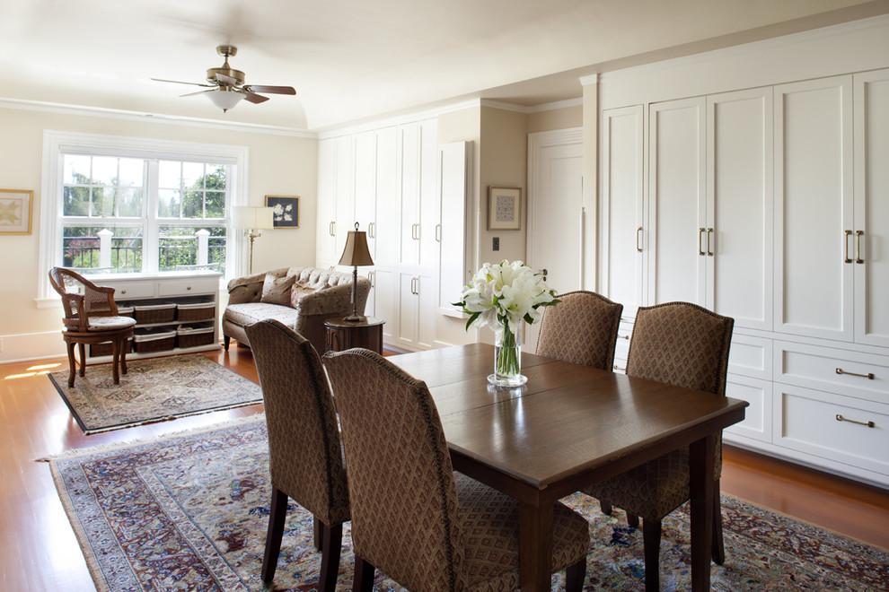Elegant home office photo in San Francisco