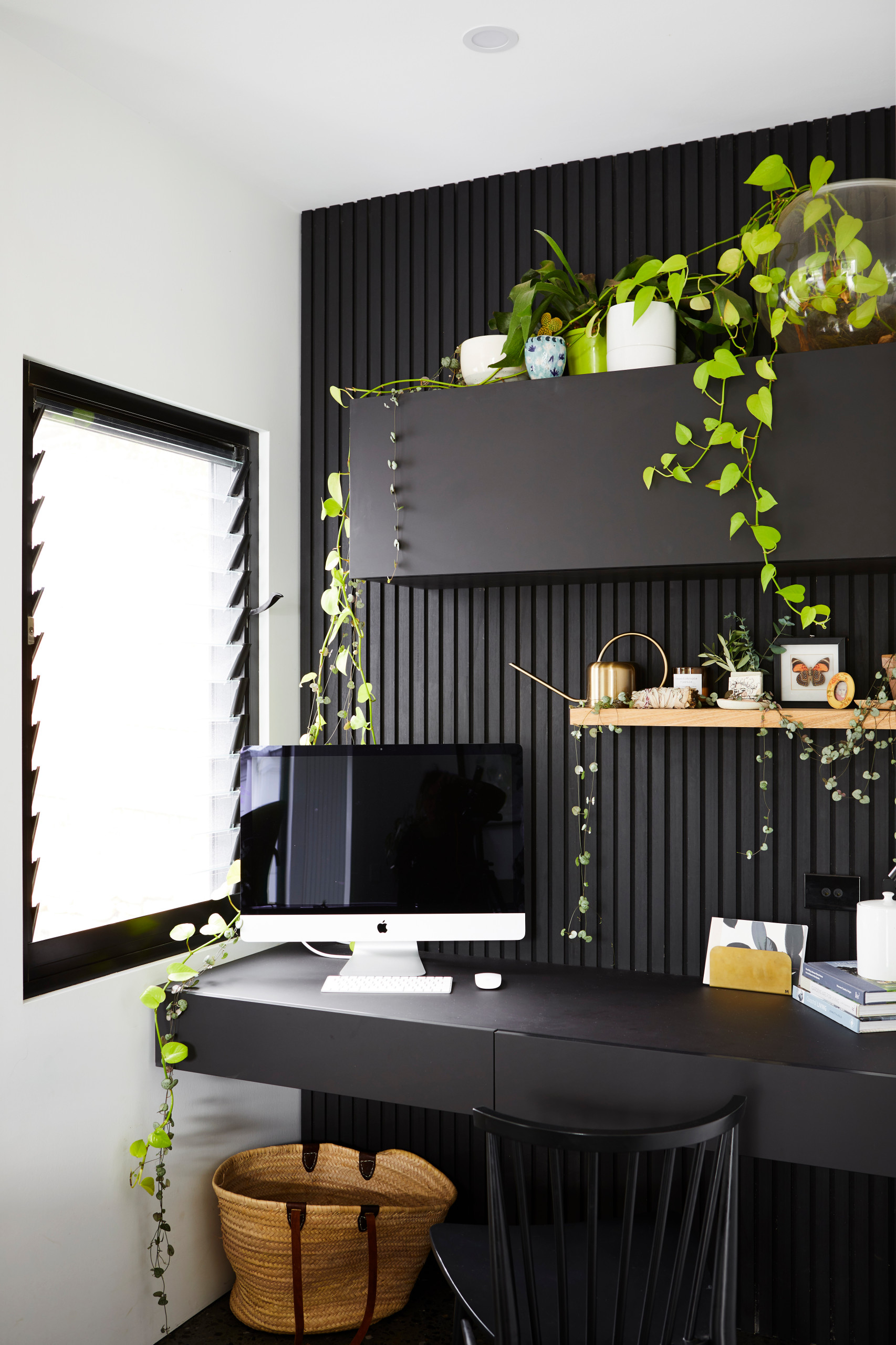 75 Beautiful Home Office With Black Walls Pictures Ideas April 2021 Houzz