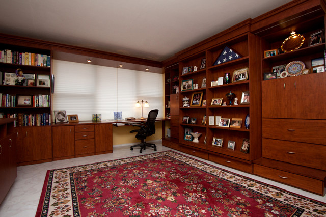 Ocean condo traditional-home-office