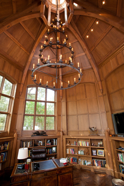 Octagon Library traditional-home-office