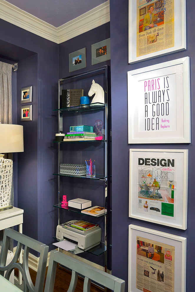 Home office - contemporary home office idea in Toronto