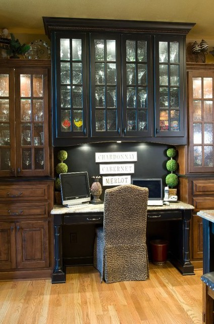 Old World traditional-home-office
